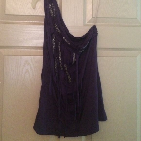 XXI. One Shoulder tank size M. Item Details  -Forever 21  -Size: S  -Dark purple one-shoulder tank with beautiful beaded design.   -Rayon Stretchy blend  -Hand wash.  -Excellent condition; NO problems. XXI Tops Tank Tops