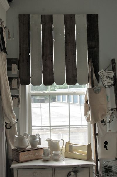 Awning from fence boards (from Vintage Junky) Window Dressing - Windows Fences
