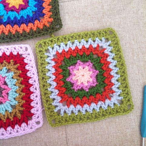 V stitch square | pequeñas muestras crochet | Pinterest | Omas ...