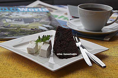 MİNE TOZANLIOĞLU: Keyifli Zamanlara Eşlik Eden Çikolatalı Kek