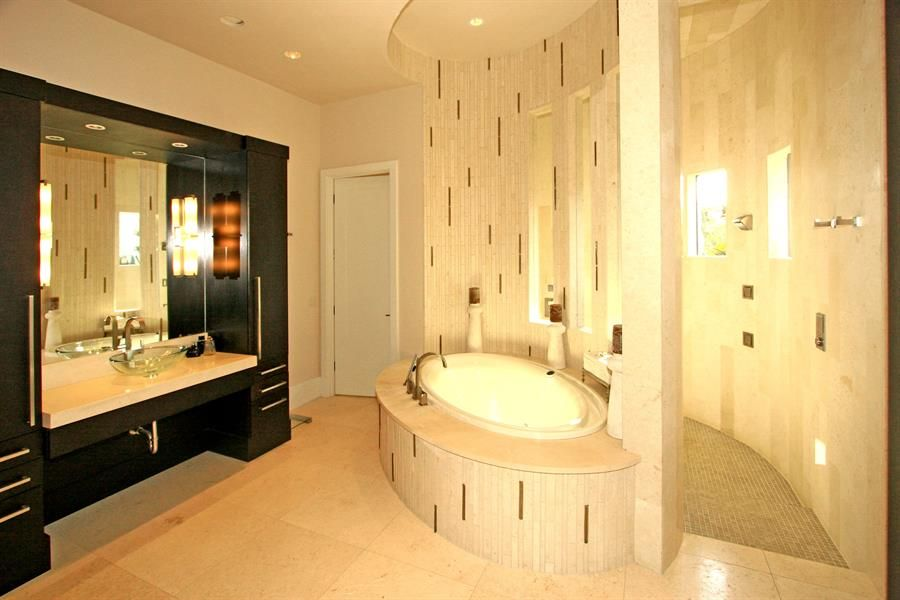 modern mansion master bathroom Google Search Decadent Bathrooms