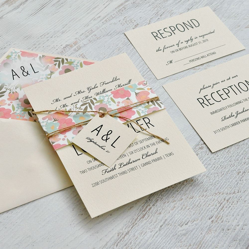 Trending Wedding Invitations: Pretty Floral - Invitation