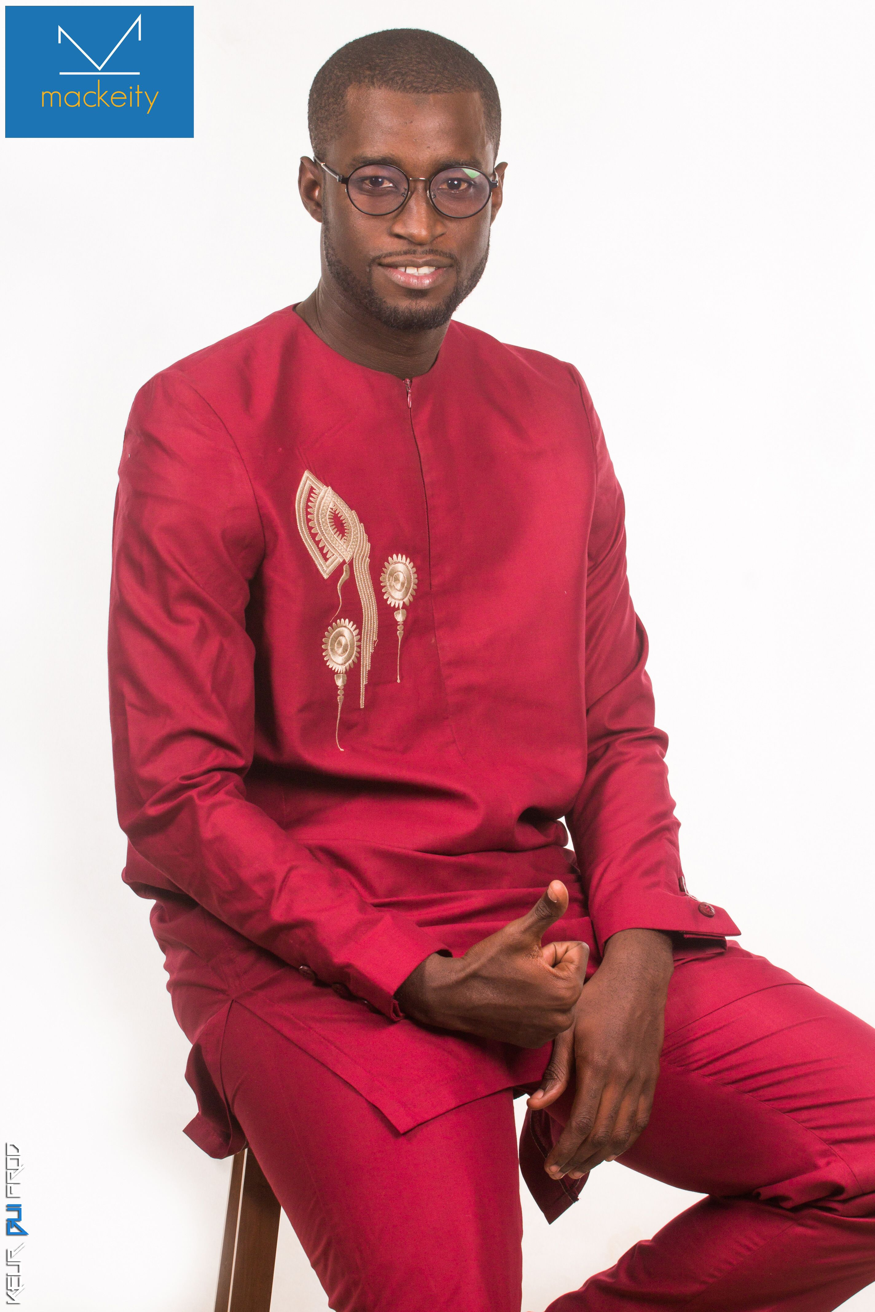 Costume Africain Rouge Bordeaux Avec Broderie Doree Costumes Collection