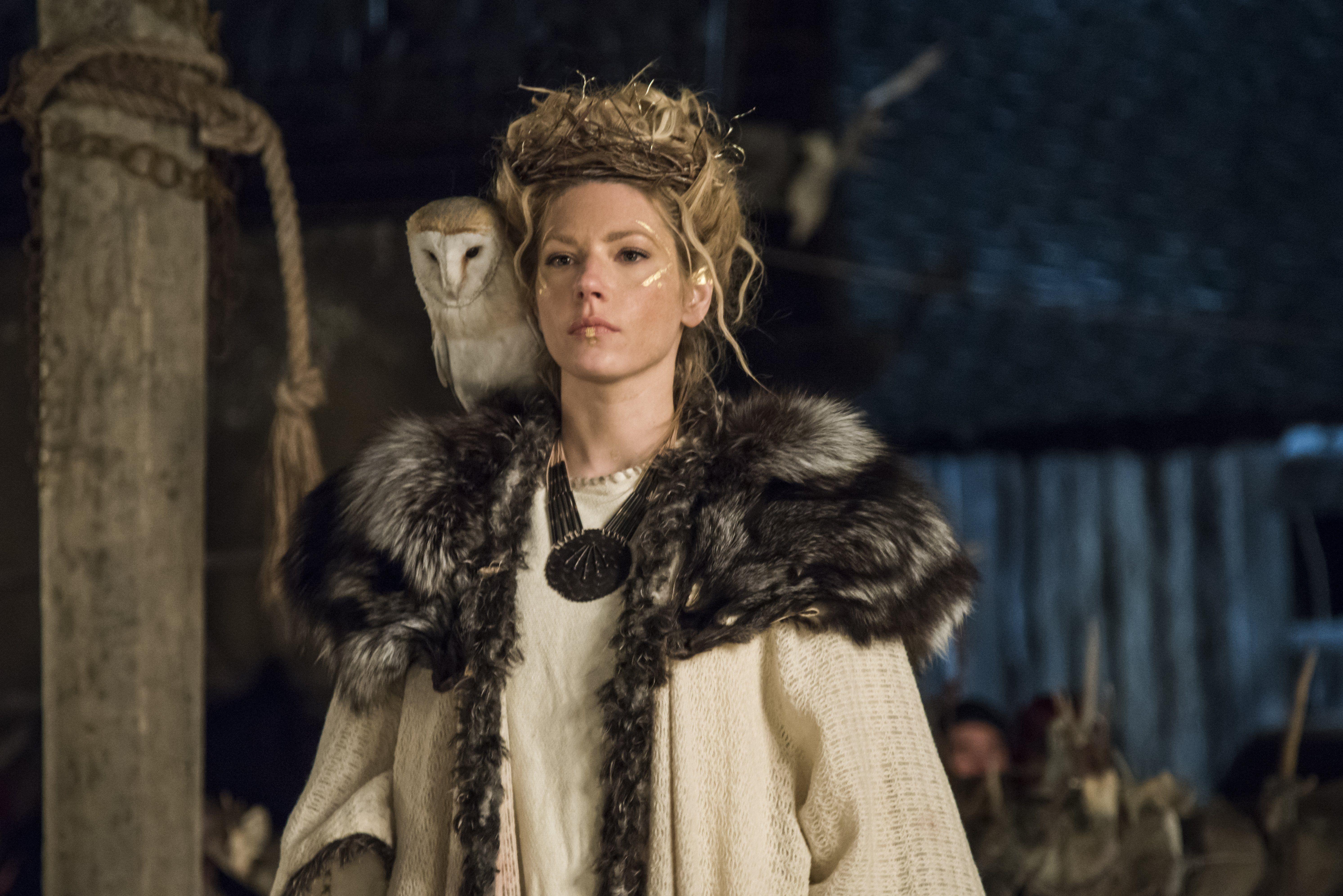 Vikings Calendrier.Epingle Par Myrna Lechuza Sur Lagertha Pinterest Visages