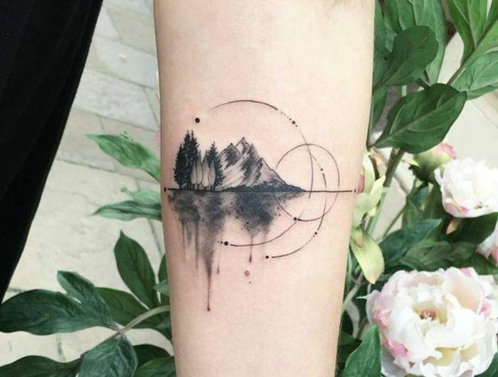 1001 dessins originaux de tatouage montagne tatouage. Black Bedroom Furniture Sets. Home Design Ideas