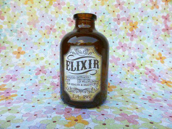 Bottiglia marrone Apothecary elisir di fiori di NaturesWalkStudio, $8.25