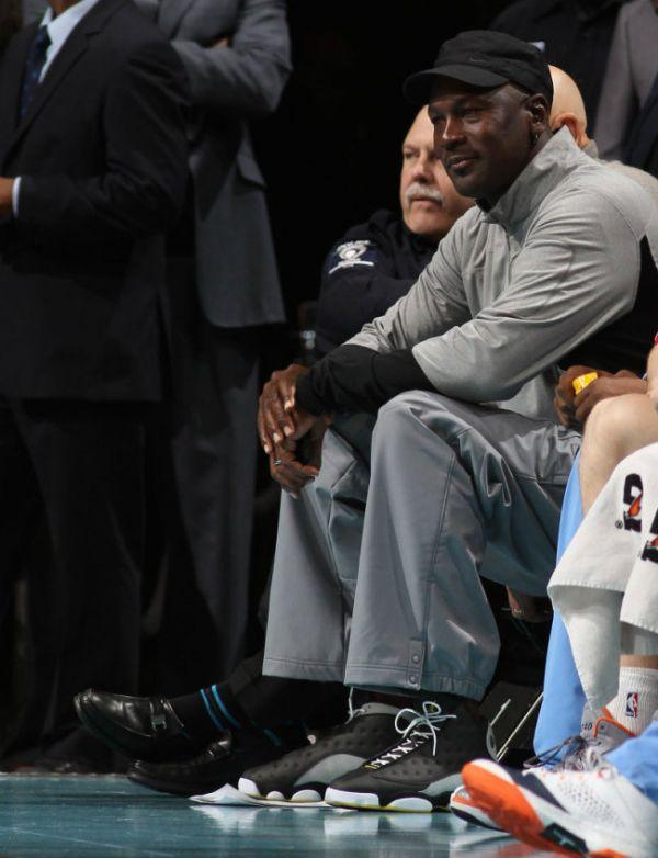 Michael Jordan Wearing Air Jordan 13 PE  44618383ee