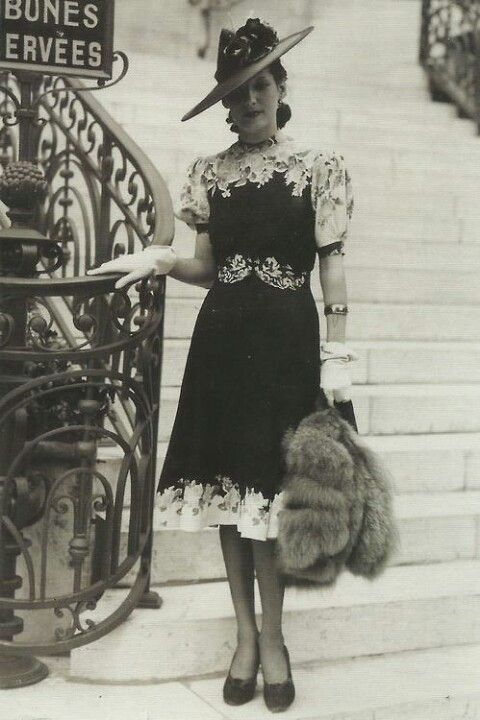 Gorgeous French 40's fashion. Dressed with so much class