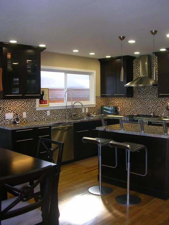 30 amazing kitchen dark cabinets design ideas maple kitchen