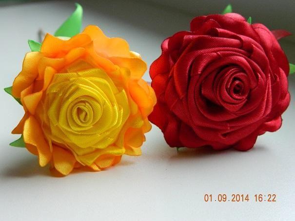 Saténové ružičky na začiatok školského roka :D