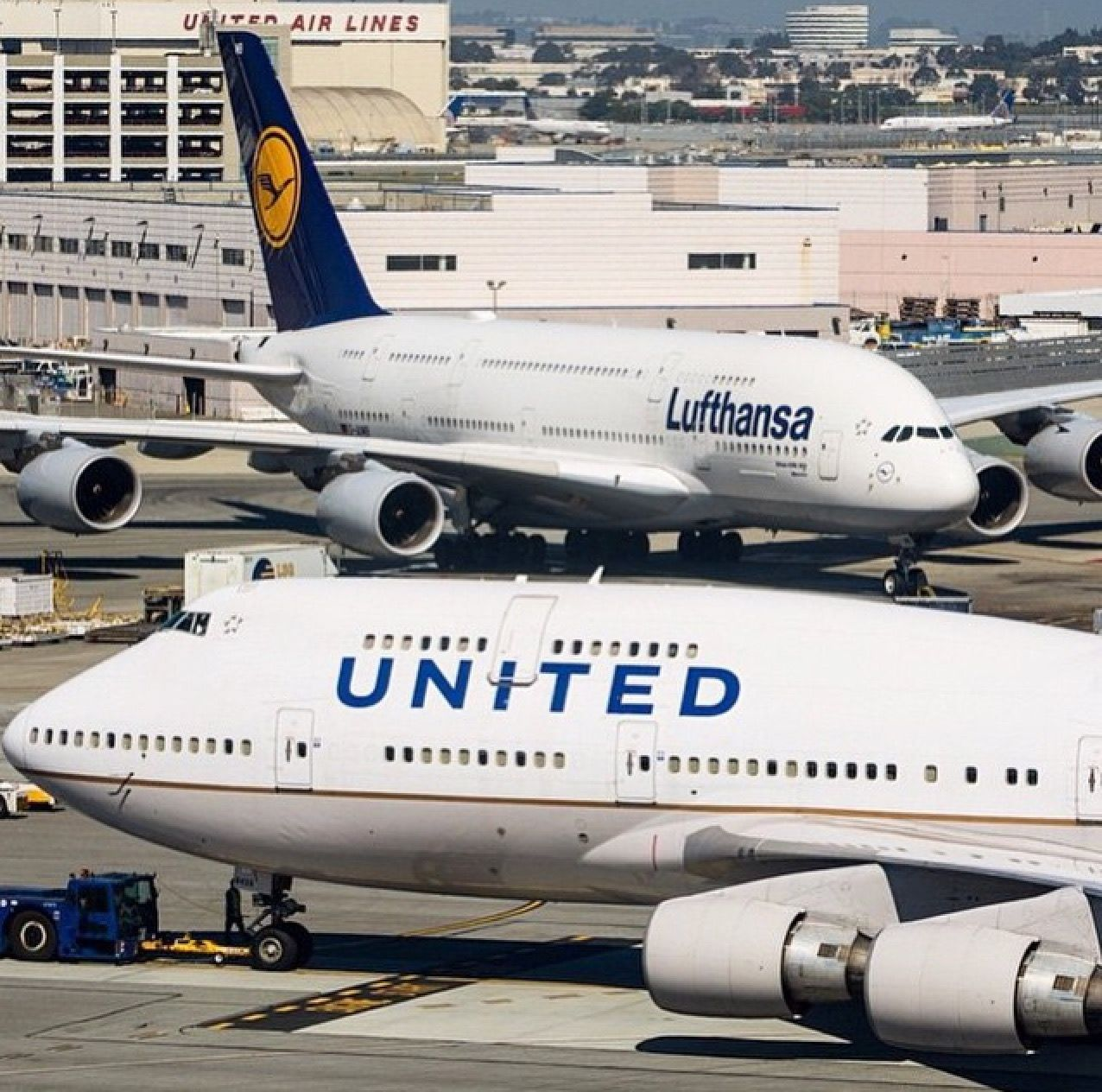 United Airlines 747 422 And Lufthansa A380 800 At San Francisco International Airpor San Francisco International Airport United Airlines Chicago O Hare Airport