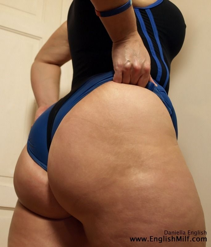 milf with gigantic thighs