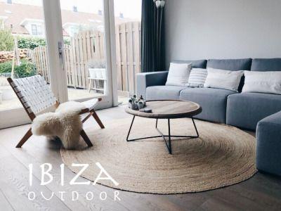 Wat een leuke foto ontvangen van Cor! met in de woonkamer de ushuaia ...
