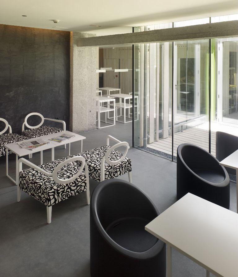 Santiago de compostela spain hotel moure abalo alonso for Muebles compostela