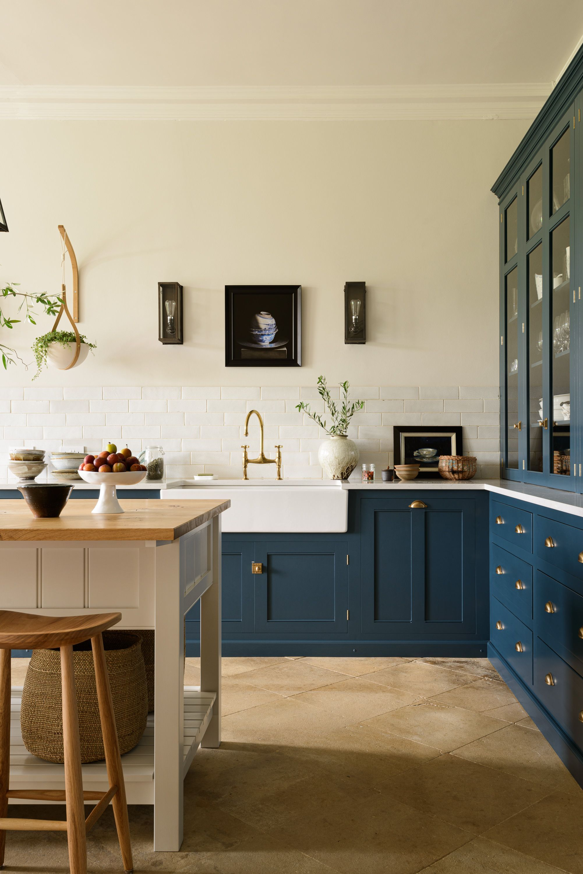 We get a lot of questions from oversea customers about whether they can have a deVOL Kitchen. The answer is yes! We can design dreamy kitchens for anyone anywhere, from the US to Australia. The process is super simple and fun, so no matter where you are in the world, getting a handmade kitchen by deVOL is no issue.