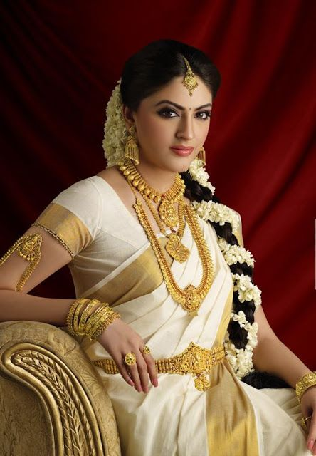 The Traditional South Indian Bride Wears A Kanjeevaram Silk Saree With Lots Of Heavy Jewelry Lets Have Look At Various Brides