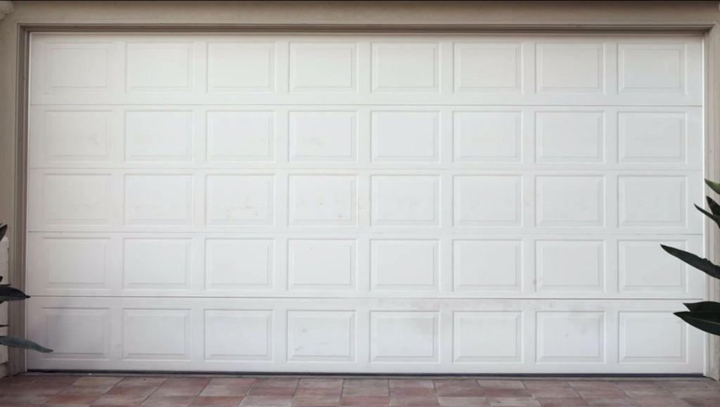 The Benefits Of Having An Iphone Garage Door Opener Garage Doors