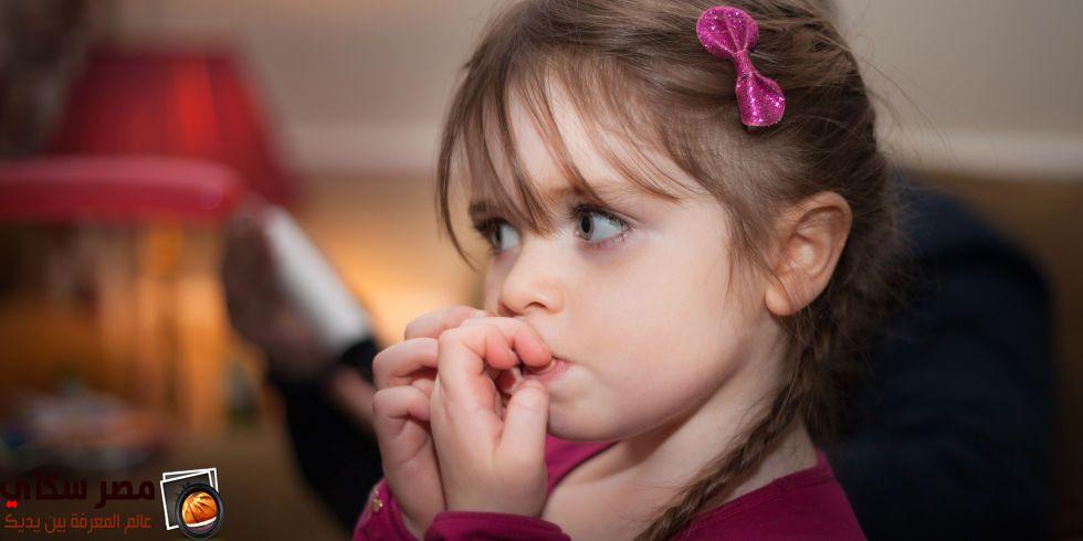 قضم الأظافر عند الأطفال الحل والعلاج Biting Fingernails Nail Biting Young Parents Mom Kid