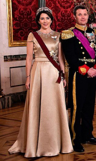 Crown Princess Mary's simple satin gown set off her stunning jewels at the state dinner on March 28 at Christiansborg Castle. Photo: Getty Images