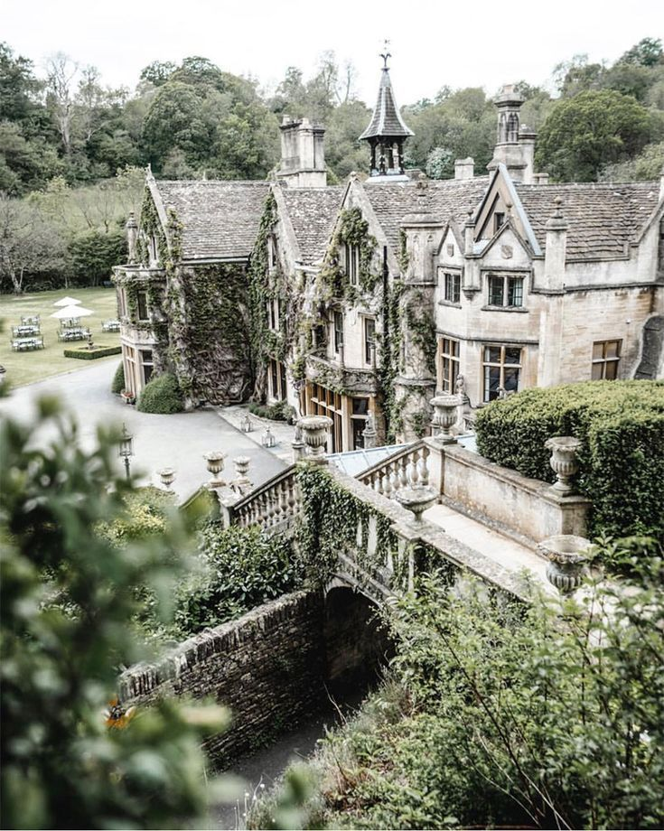 Weekday Wanderlust: Charming Villages & The English