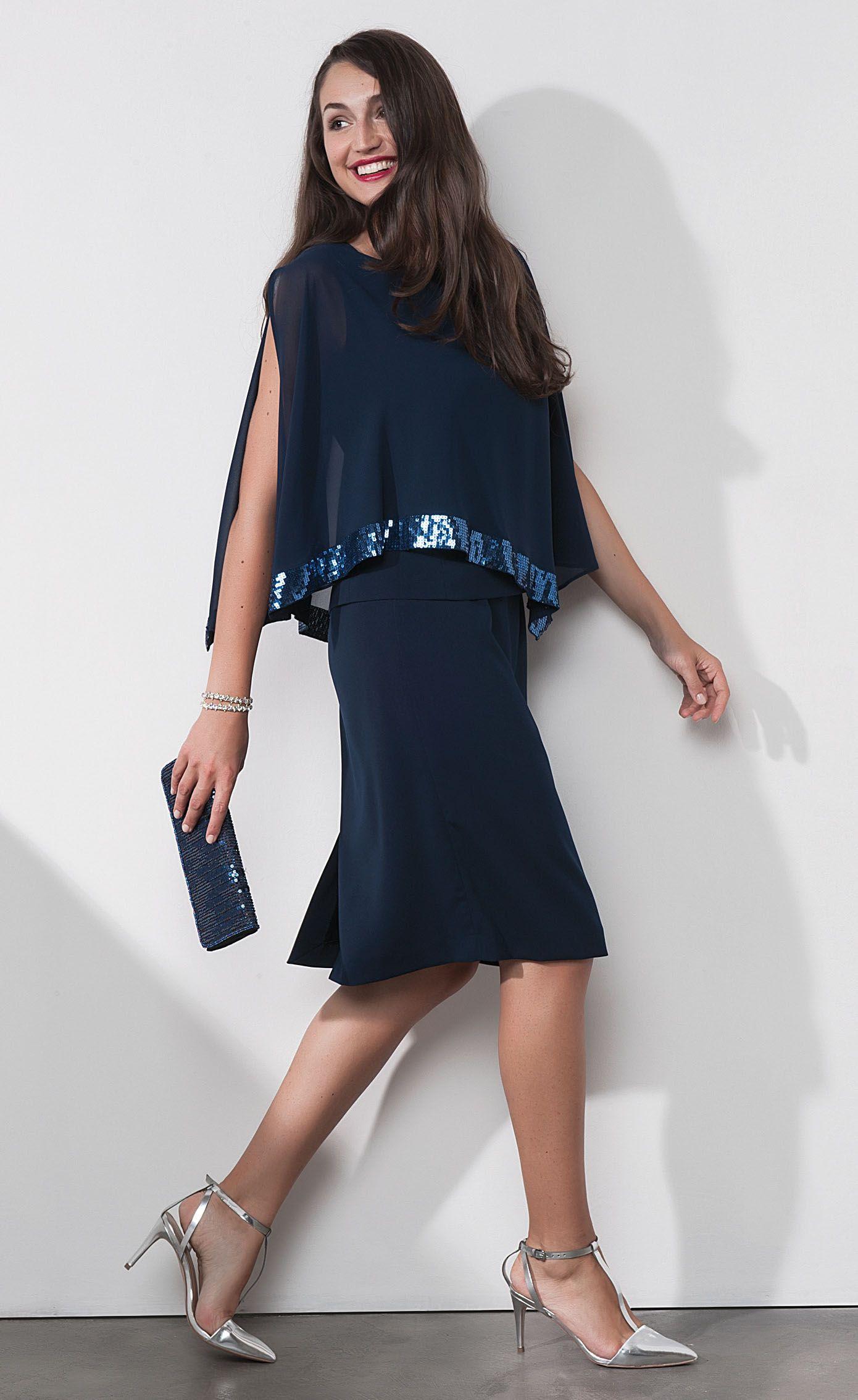 Un bagno di colore e di fantasie per la nuova collezione di Luisa Viola  abbigliamento estate 2017. Si sente la gioia per l arrivo della bella  stagione in ... 2423a6396b6