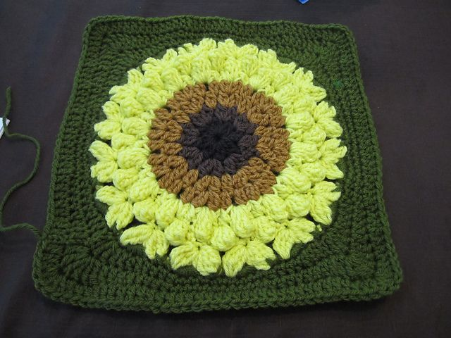 SunFlower Too pattern by Julie Yeager | Tejido