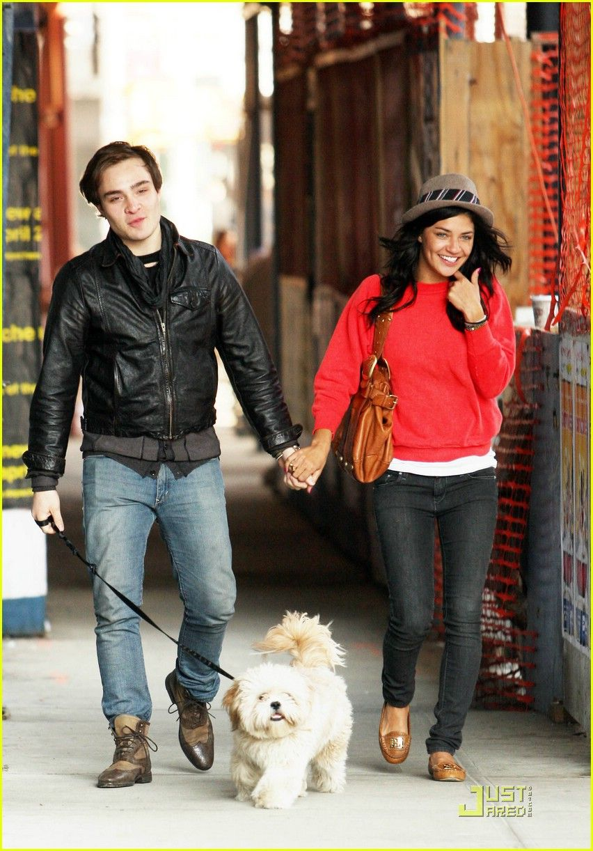 When did ed westwick and jessica szohr start dating