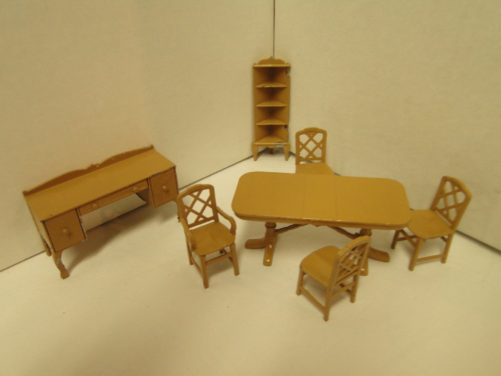 Vintage Tootsie Toy Miniature Dollhouse Dining Room Set In Brown Metal 7 Pcs