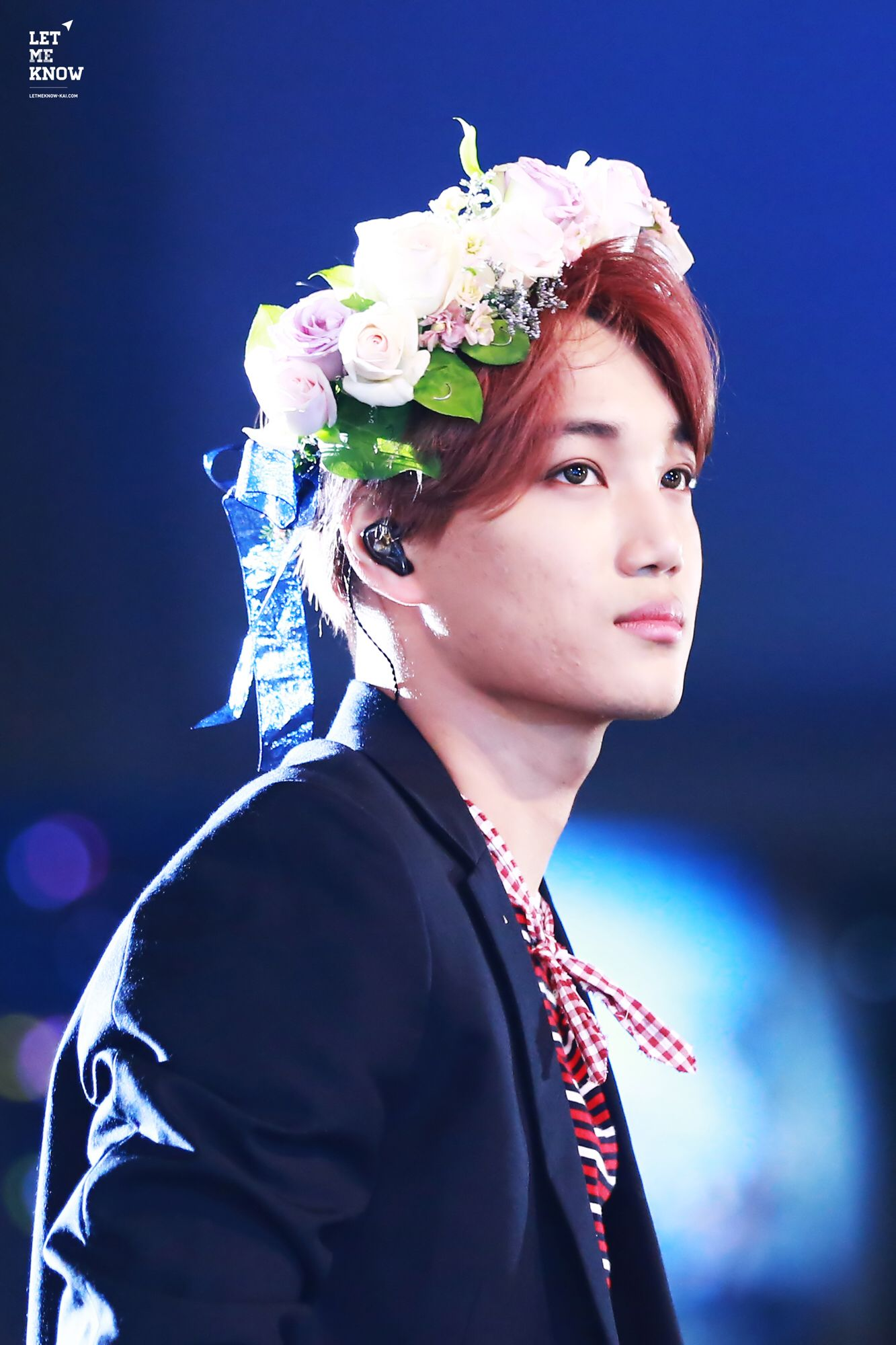 Kai with his flower crown kim jongin in 2018 pinterest kai with his flower crown izmirmasajfo