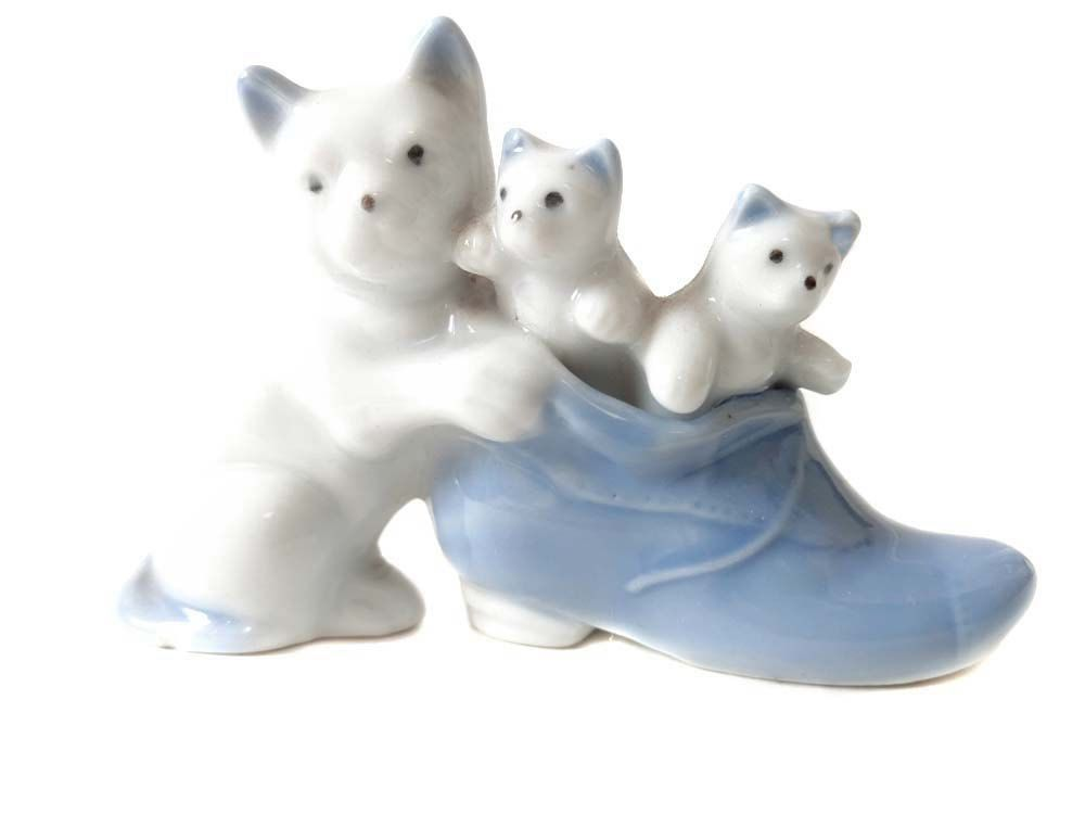 White Cat Figurine Japan 3 Cats in a Blue Shoe Small Porcelain 1 Cat 2 Kittens, SOLD