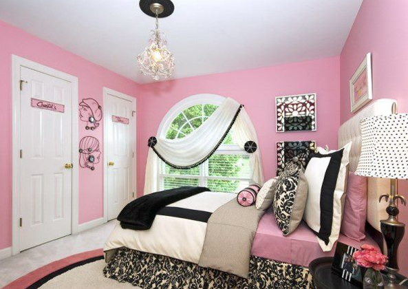 Elegant pink teens room