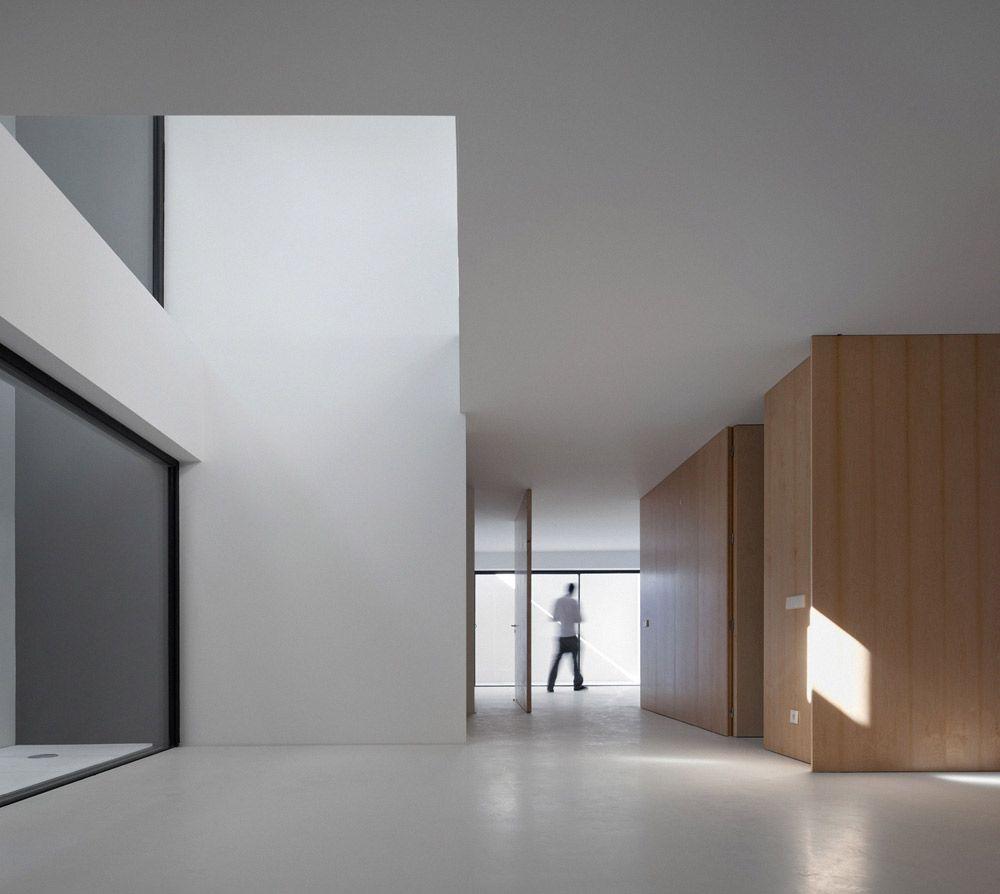 House in Aldeia de Juso by ARX Portugal Arquitectos