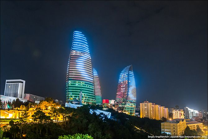 Ogni Nochnogo Baku Baku City City Tower