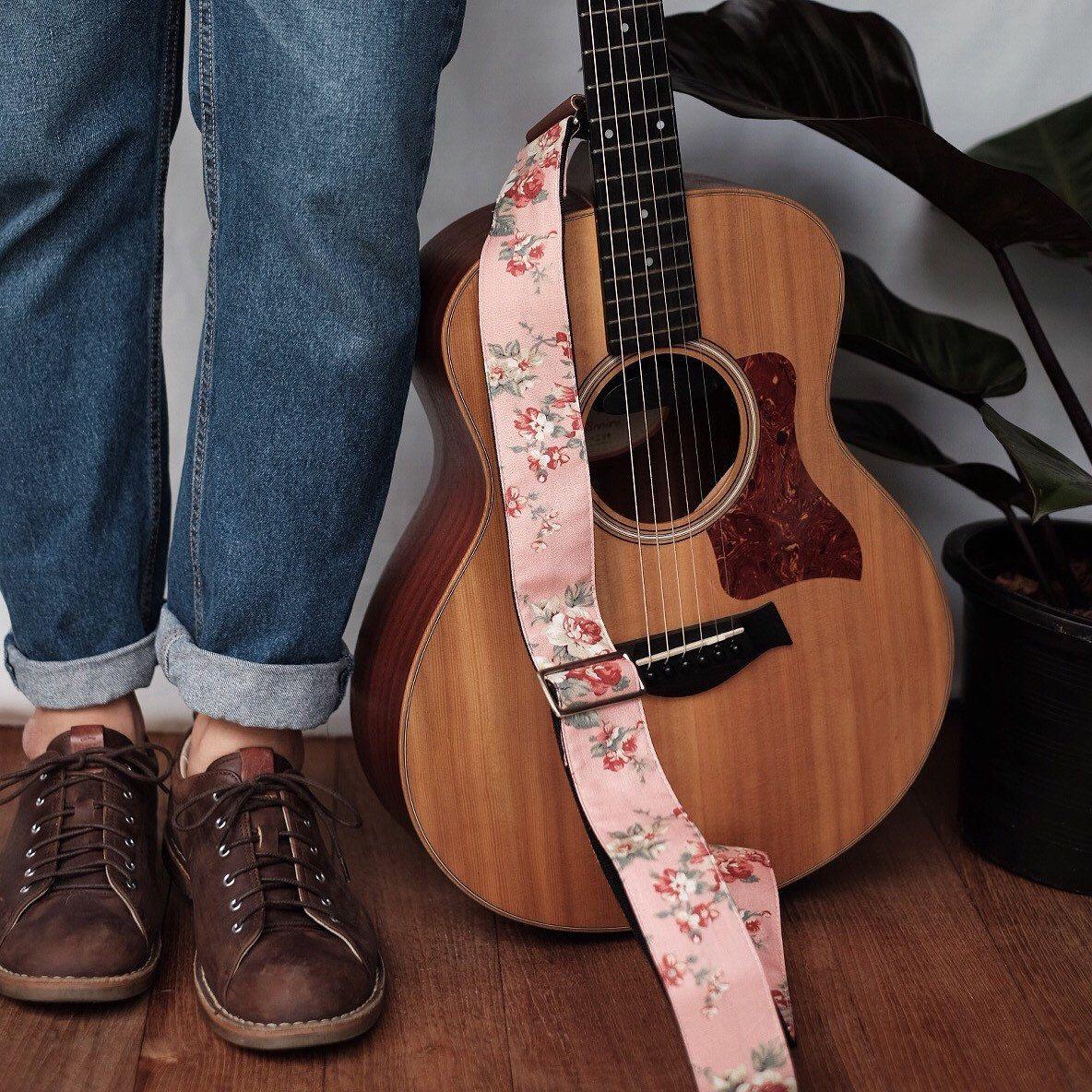 Pink Pastel Fabric Flower Guitar Strap Etsy Guitar Strap Acoustic Guitar Photography Acoustic Guitar