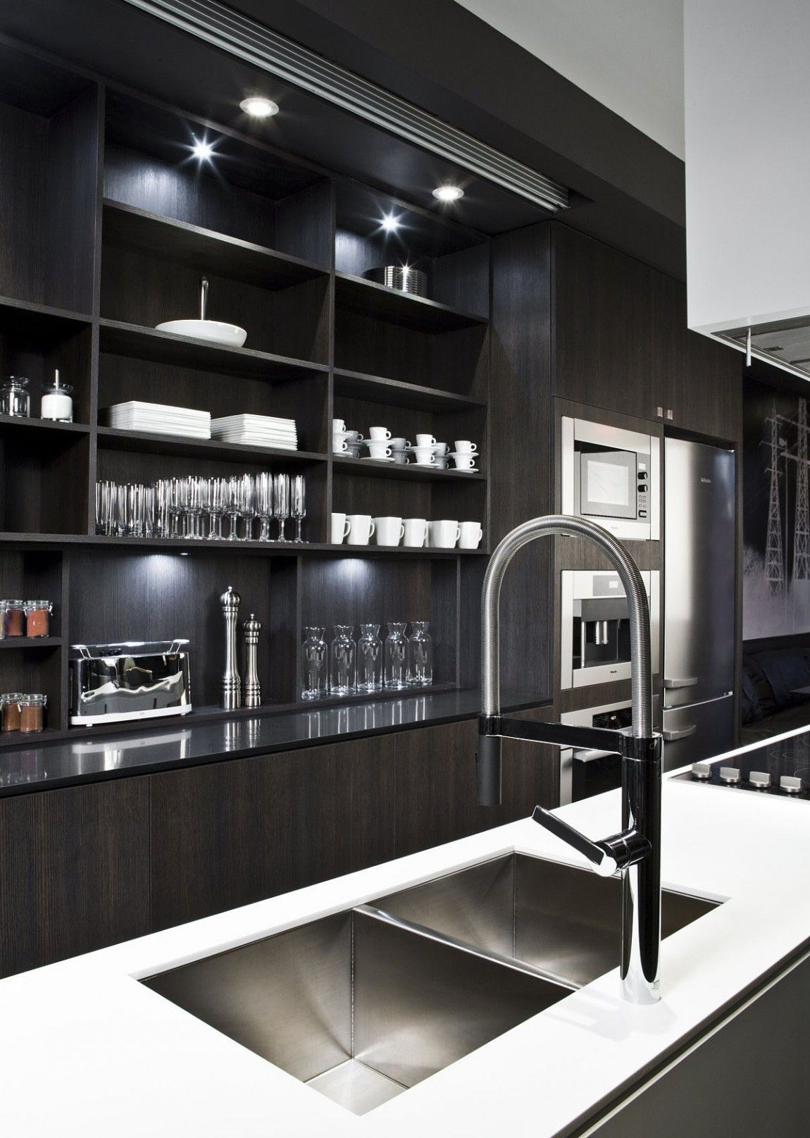 Block Townhouse By Cecconi Simone 11 Homedsgn Townhouse Interior Masculine Kitchen Kitchen Design Small