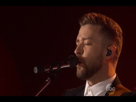Pin for Later: Justin Timberlake Has a Special Date Night With Jessica Biel at the CMAs