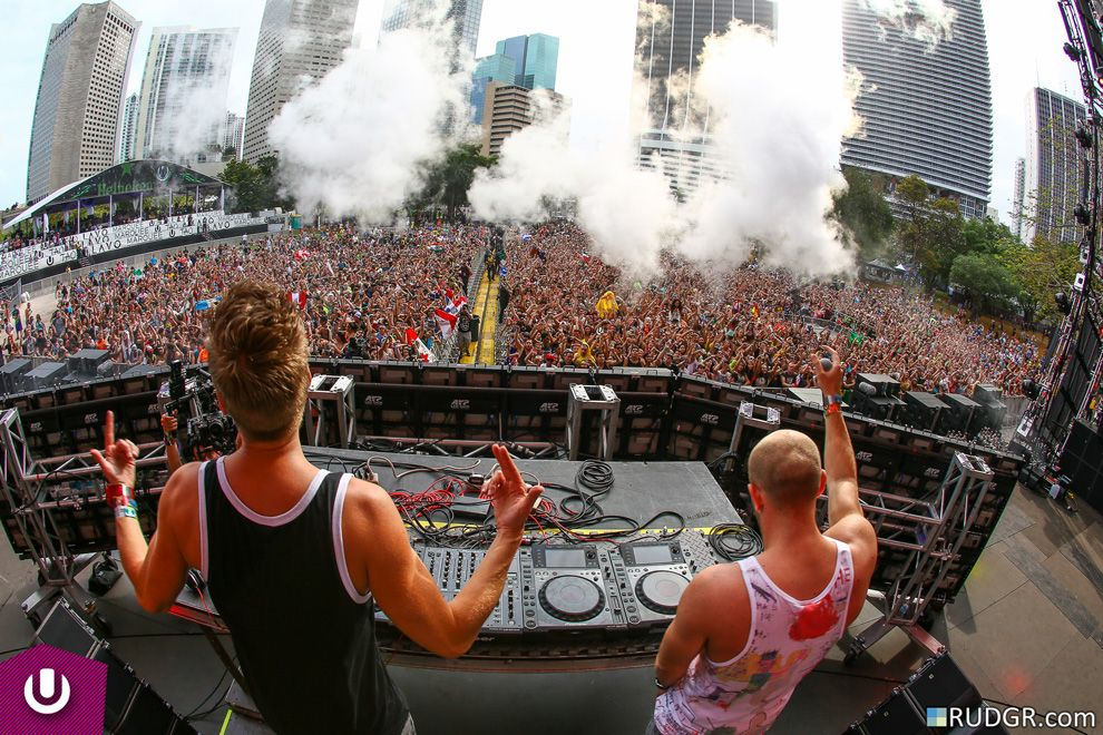 Showtek's Ultra mainstage debut at Ultra Music Festival 2014