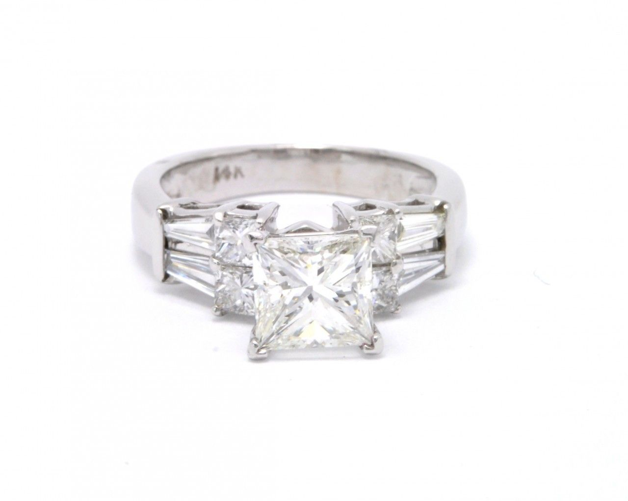 (http://shop.shinjewelers.com/11001032-14k-white-gold-gia-certified-diamond-engagement-ring/)
