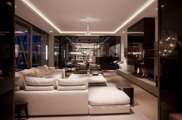 De koof, die speciaal gerealiseerd is voor LED verlichting, creëert ...