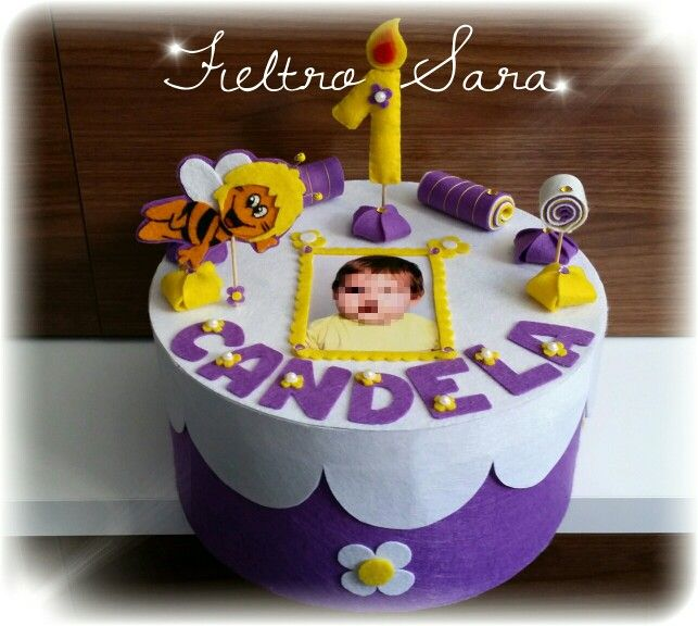 Mi primera tarta de cumpleaños. Candela cumple su primer añito y tendrá un recuerdo para toda la vida.