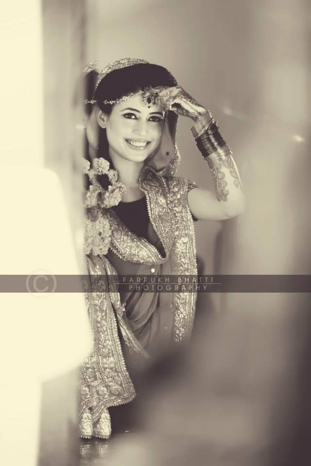 The beautiful bride on her mendhi night!