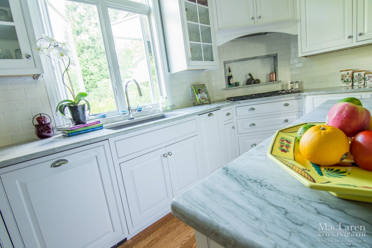 Modern kitchen window design  mesmerizing quartzite countertops design for modern kitchen