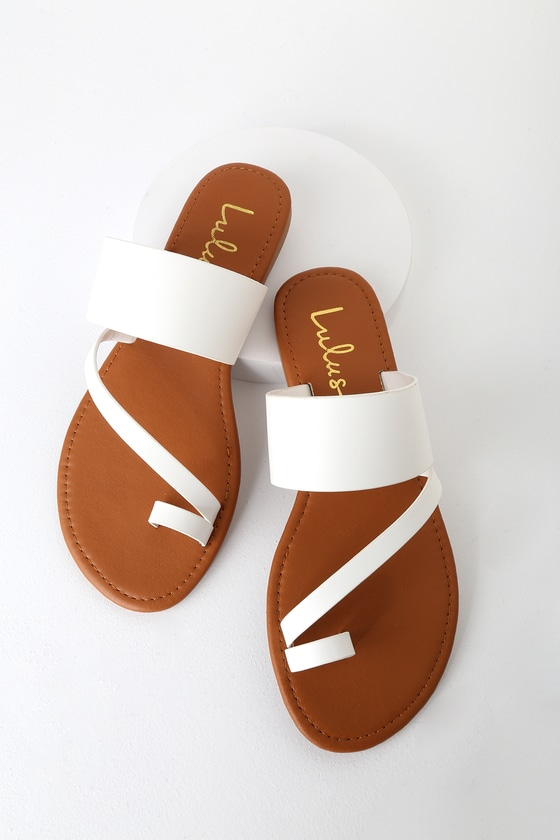 Avena White Flat Sandals in 2020 | Chic