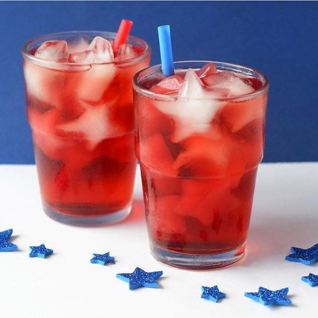 Celebrating the holiday weekend @cookinglight style with these adorable star iced cubes! HBD America, hope it's a refreshing one. Follow through the Cooking Light handle for the recipe #cookCL