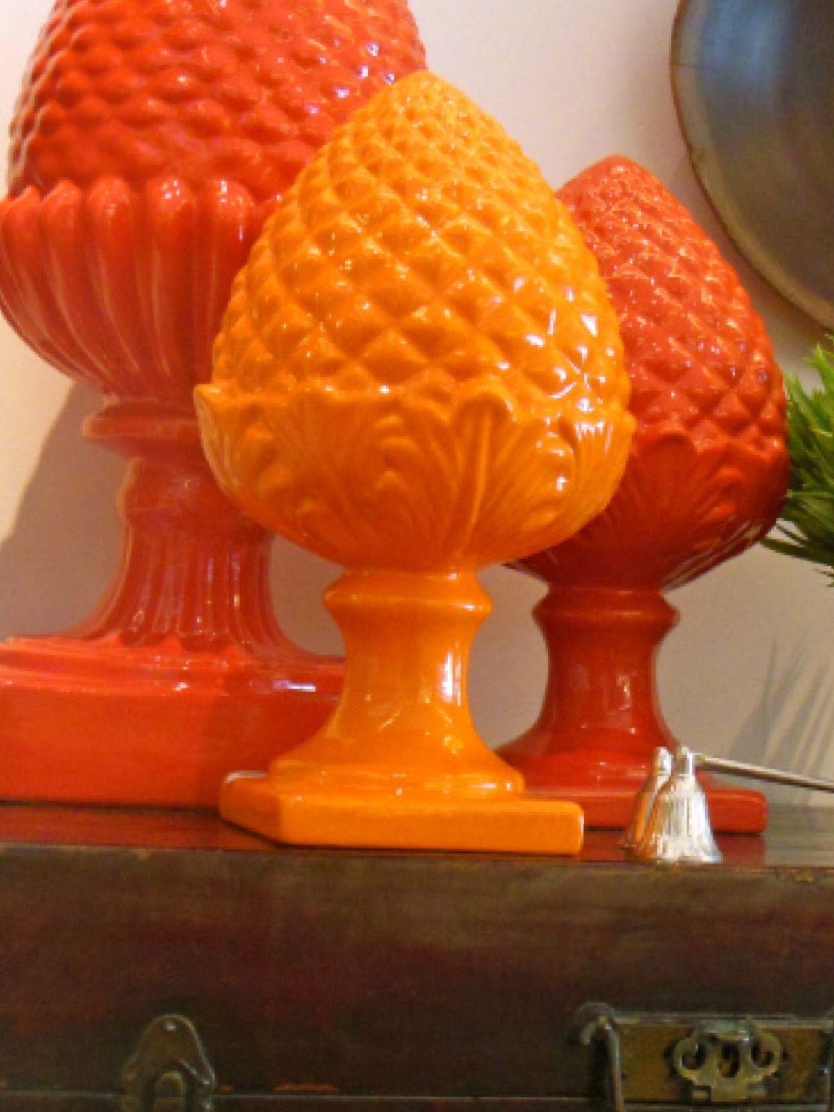 Pinhas laranjas