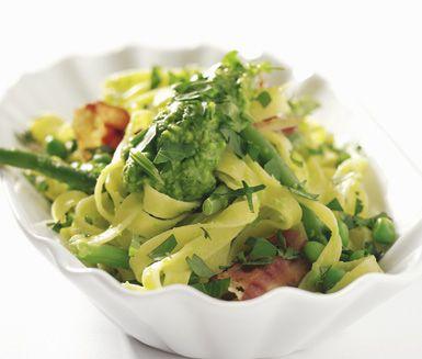 Rostad svamp och squash med spagetti persilja