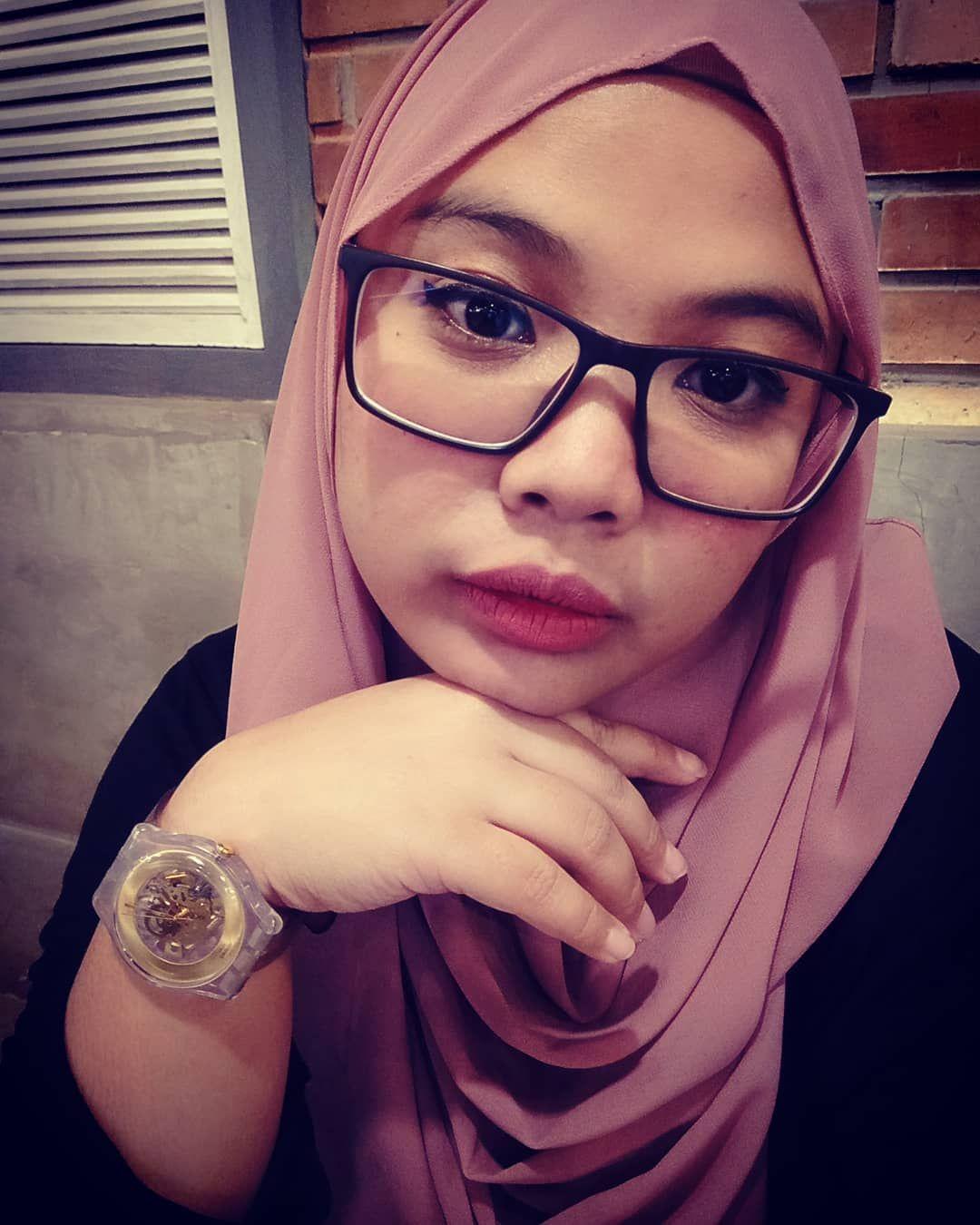 Percayalah Muka Pulus Dan Putih Hanya Karena Aplikasi Hp Yg Canggih Selfie Kece Instaday Instagirls Swatch Cantik Sedihdigitu Fashion Swatch Hijab
