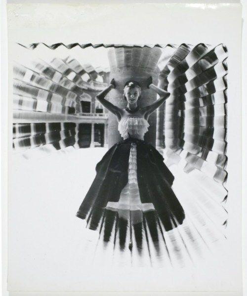[Marilyn Monroe distortion] | International Center of