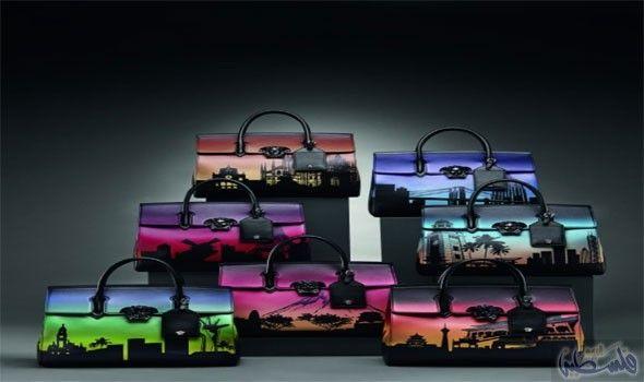 فرساتشي تكشف عن إصدار خاص من Palazzo Empire لتوثيق أكبر مدن العالم Versace Bags City