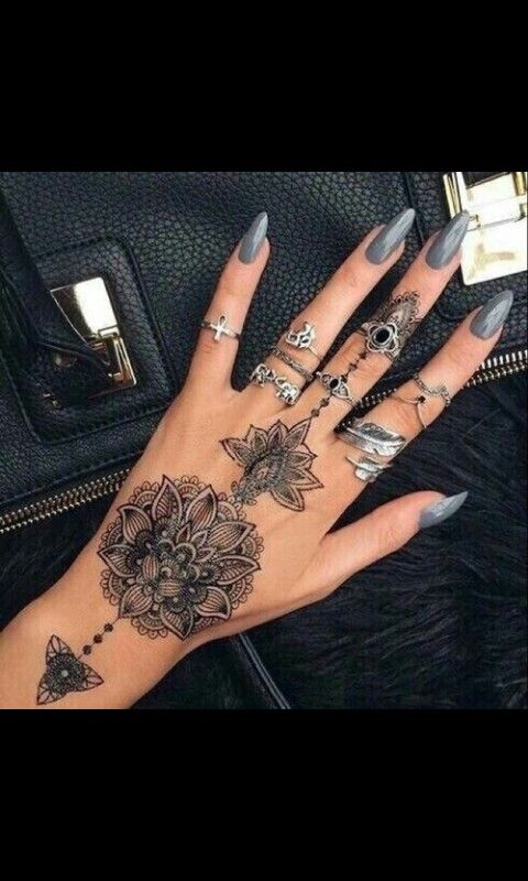 Grey Nails With Black Tatoo And Silver Rings Nail Art Pinterest